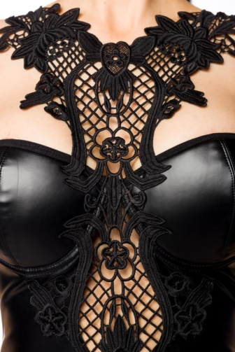 Wetlook set with lace